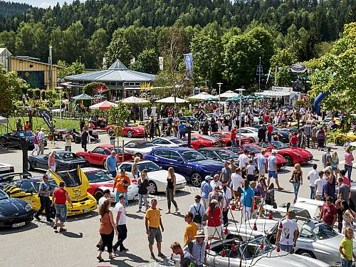 SuperCar-Treffen im JOSKA Glasparadies in Bodenmais