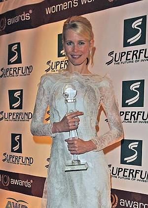 Claudia Schiffer mit dem Women's World Award
