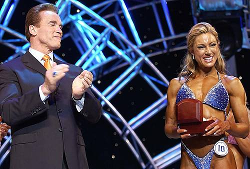 Miss Fitness International Tina Durkin mit Arnold Schwarzenegger